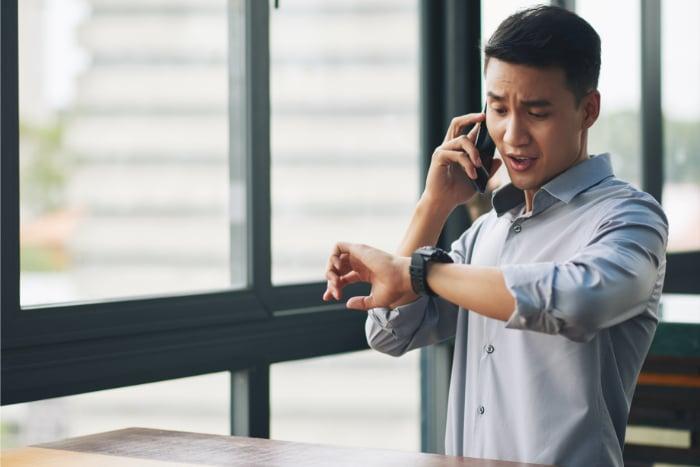 communication téléphonique montre
