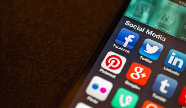 Social-media-start-an-online-business-image