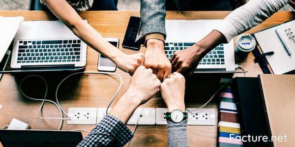 Développer réseau professionnel coworking