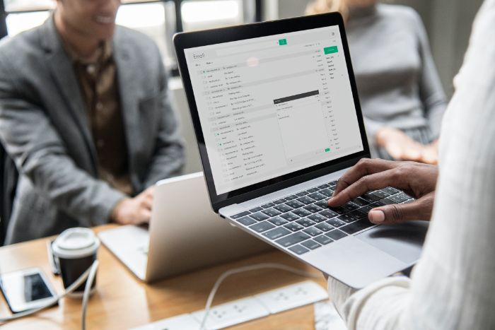 adresse expéditeur email marketing